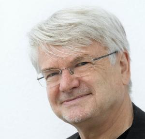 Univ.Prof. em. Dr. phil.habil. Dr. h.c. Wolfgang Sucharowski